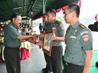 Anggaran Tepat Sasaran, Danrem Wijaya Kusuma Terima Penghargaan