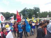 Aksi Demo GSBI Gabungan Serikat Buruh Indonesia di DPR RI