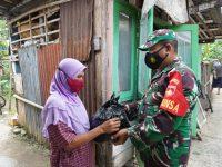 Peringati HUT Ke-76 TNI, Korem 071/Wijayakusuma Vaksinkan Lansia dan Disabilitas Door to Door serta Bagikan sembako
