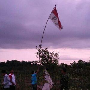 Bendera Merah Putih Dinodai Tulisan P. JOKO